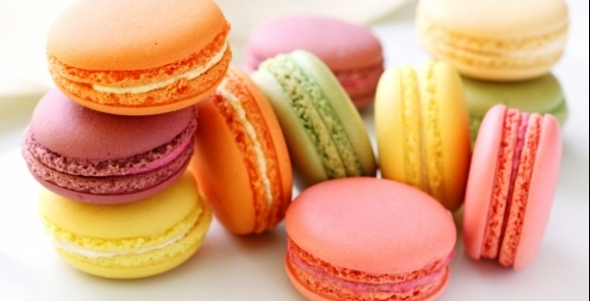 L'ATELIER DES CHEFS: 'Mastering Macaroons' chef tutors me to mix the brightest creations
