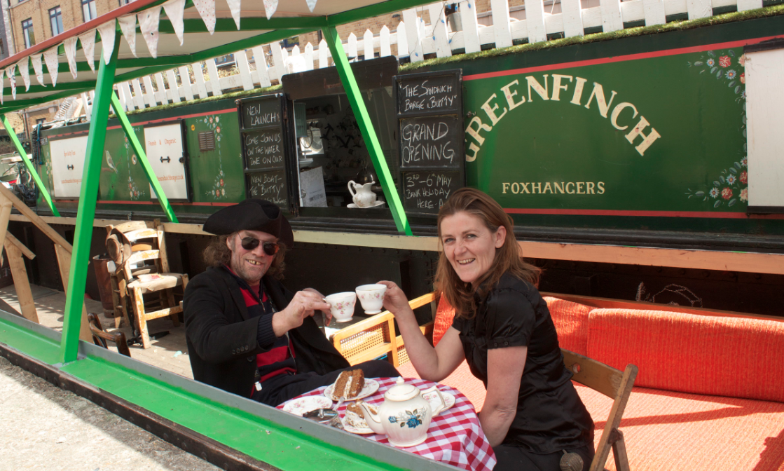 FLOATING POP-UP RESTAURANT: The Sandwich Barge and Butty
