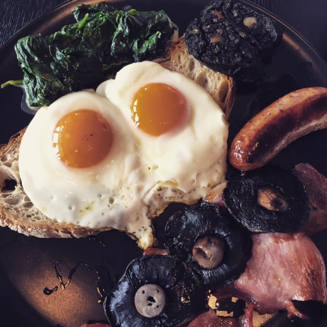 SEA CONTAINERS: Lazy brunching along the South Bank