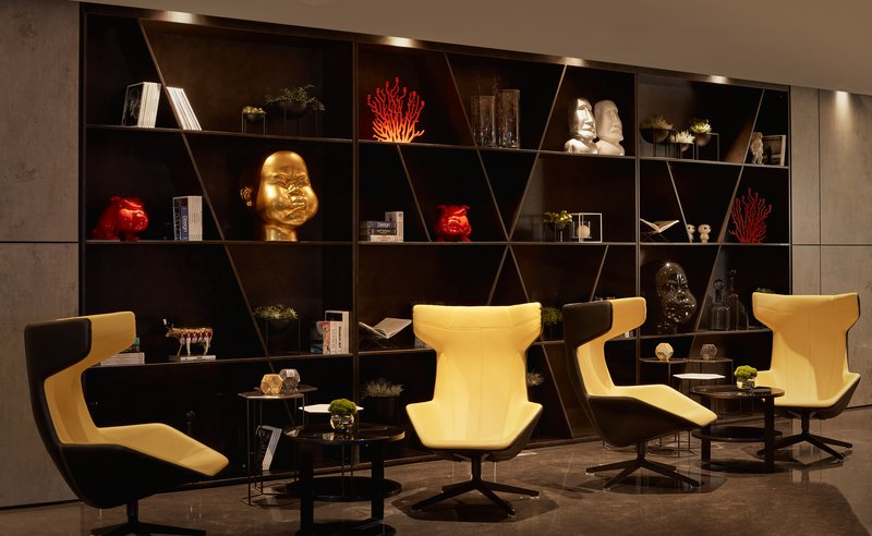 PARK PLAZA WATERLOO: A solid base to explore the city with spaceship-like interiors