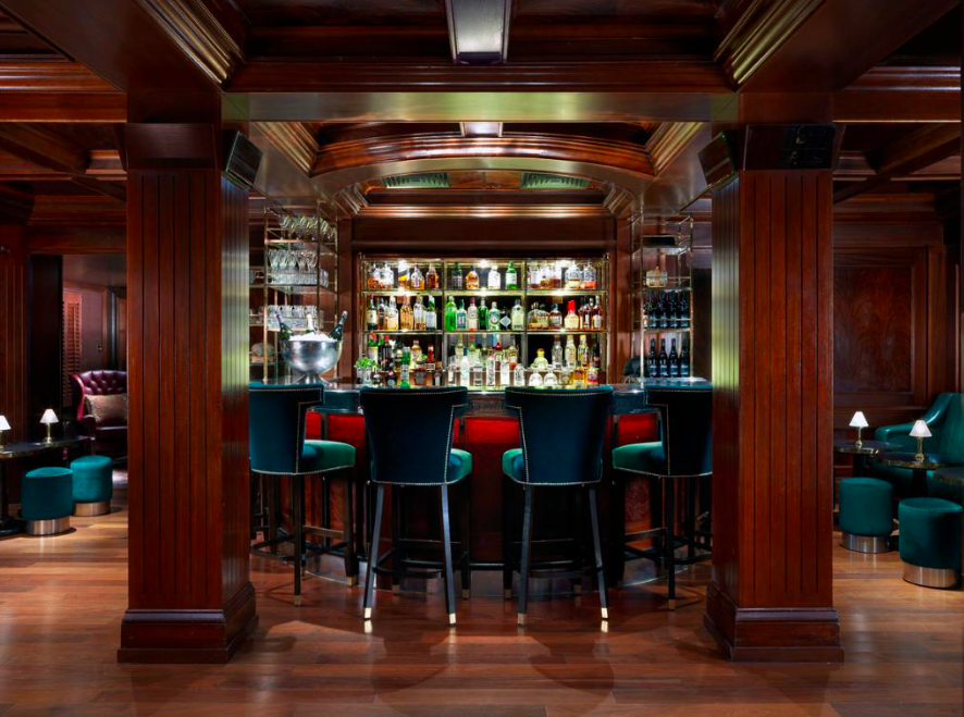 THE BLOOMSBURY CLUB: A cosy New York 1920s-style bar, with slick cocktails, delicious nibbles and a sexy atmosphere